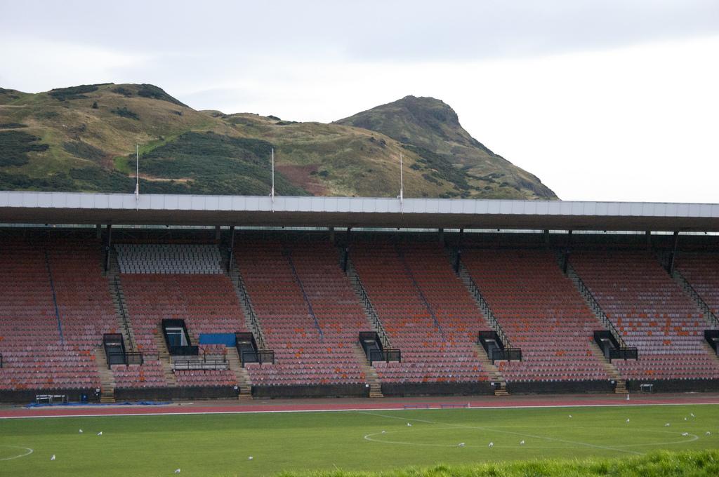 meadowbank_stadium_main_stand