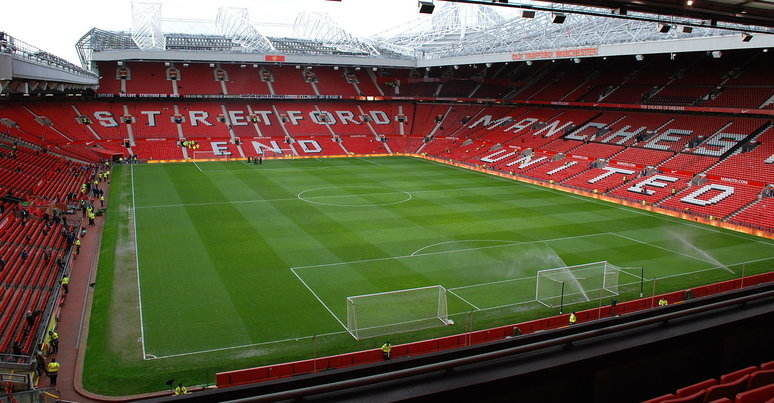 Manchester United v Arsenal Predictions