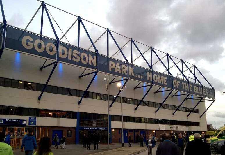 Everton v Man United Tips
