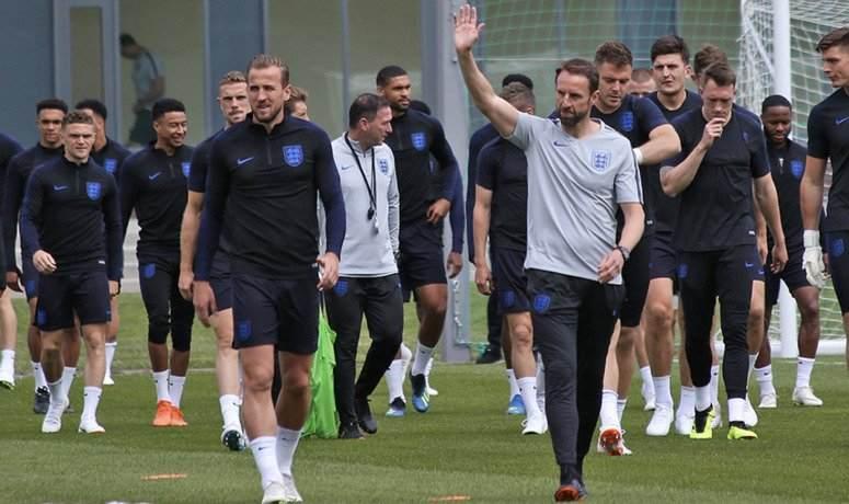 England vs Italy Predictions